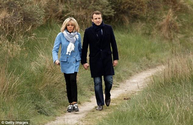 Также французские СМИ тиражируют историю о том, как Макрон «за домогательства» подал в суд на 29-лет