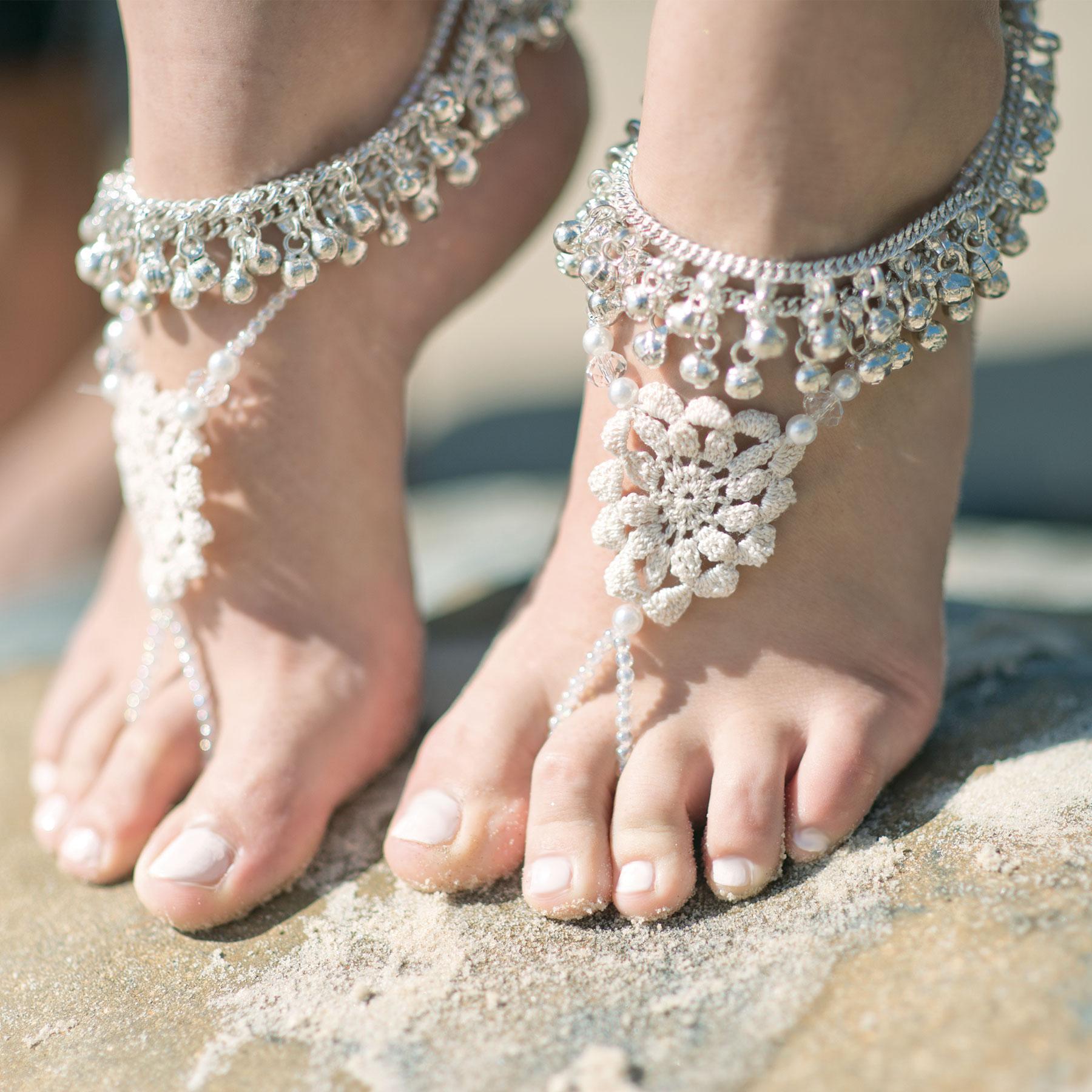 Фото модных браслетов на ногу 2017