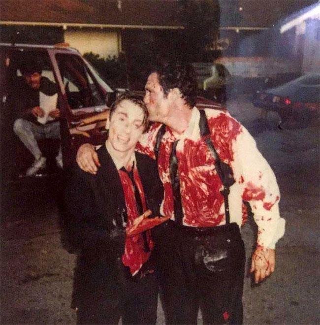 Тим Рот и Майкл Мэдсен на съемках «Бешеных псов».