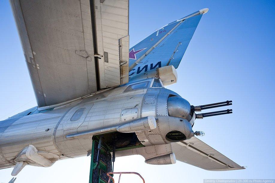 В продолжение традиций, начатых в отечественной авиации в 30-х годах, некоторым самолётам присв