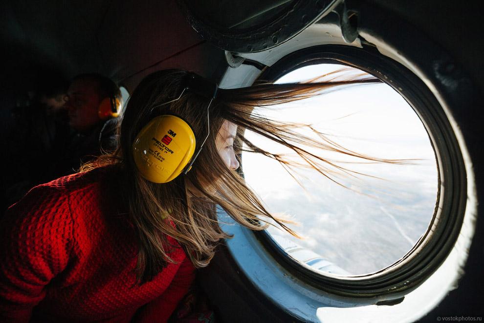 12. Скорость 180 км/ч, полет нормальный.