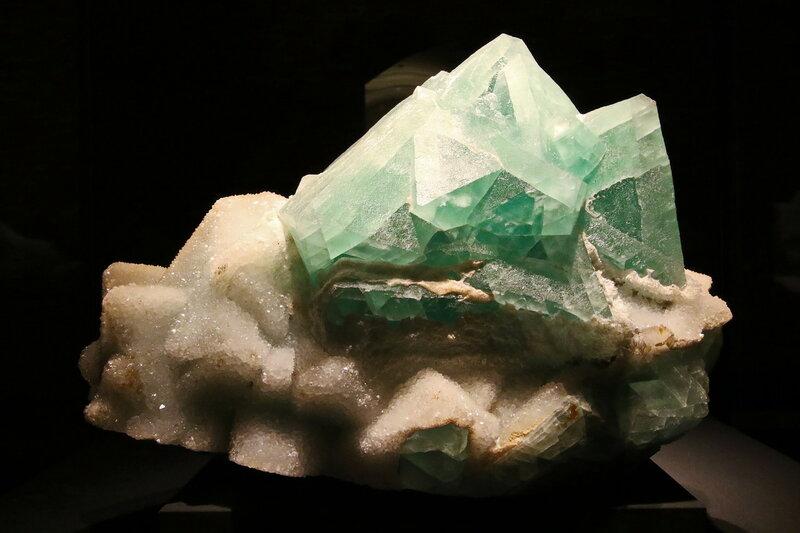Fluorit, Quarz.. 2H1A7311ОВ.JPG