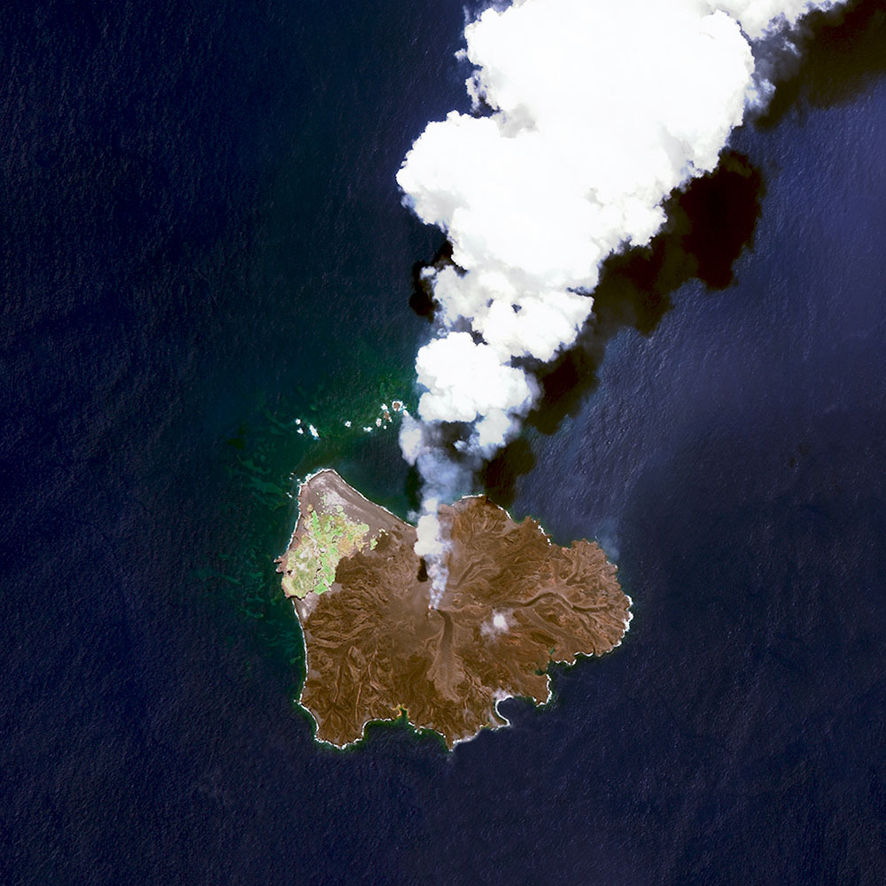 Nishinoshima Volcanic Activity / 27·243362, 140·874420 / Nishinoshima is a volcanic island located 9