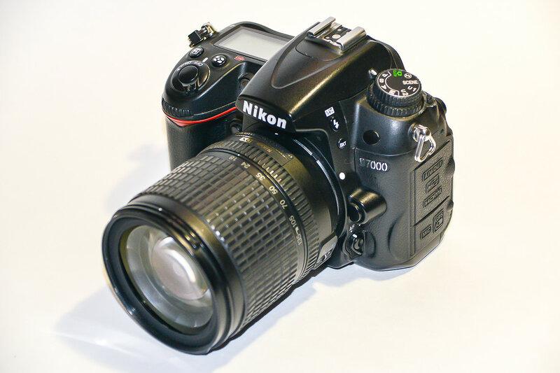 Отдам недорого легендарный фотоаппарат