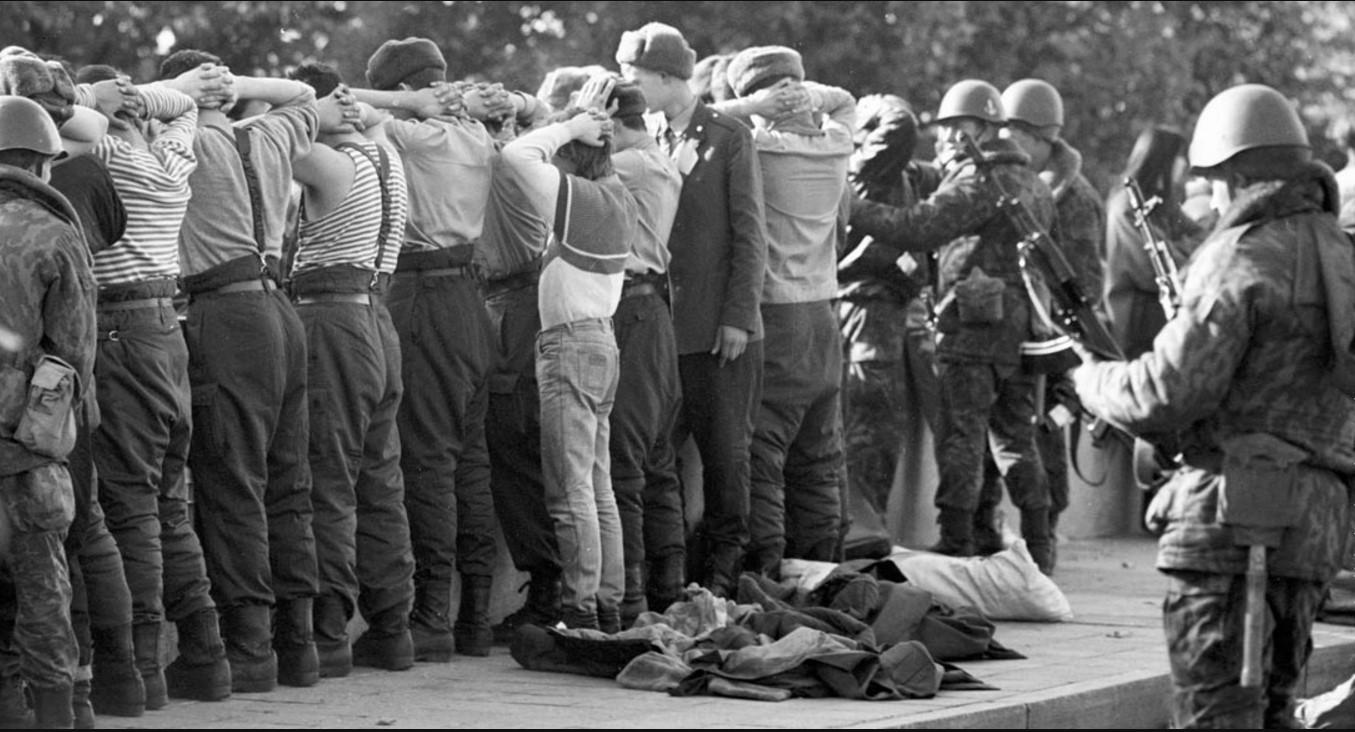 Задержанные защитники Верховного совета