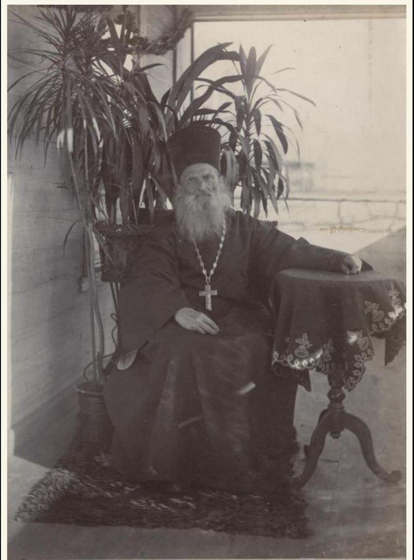 Семейный духовник – священник Вознесенской церкви отец Гавриил (Ястребов). 1897