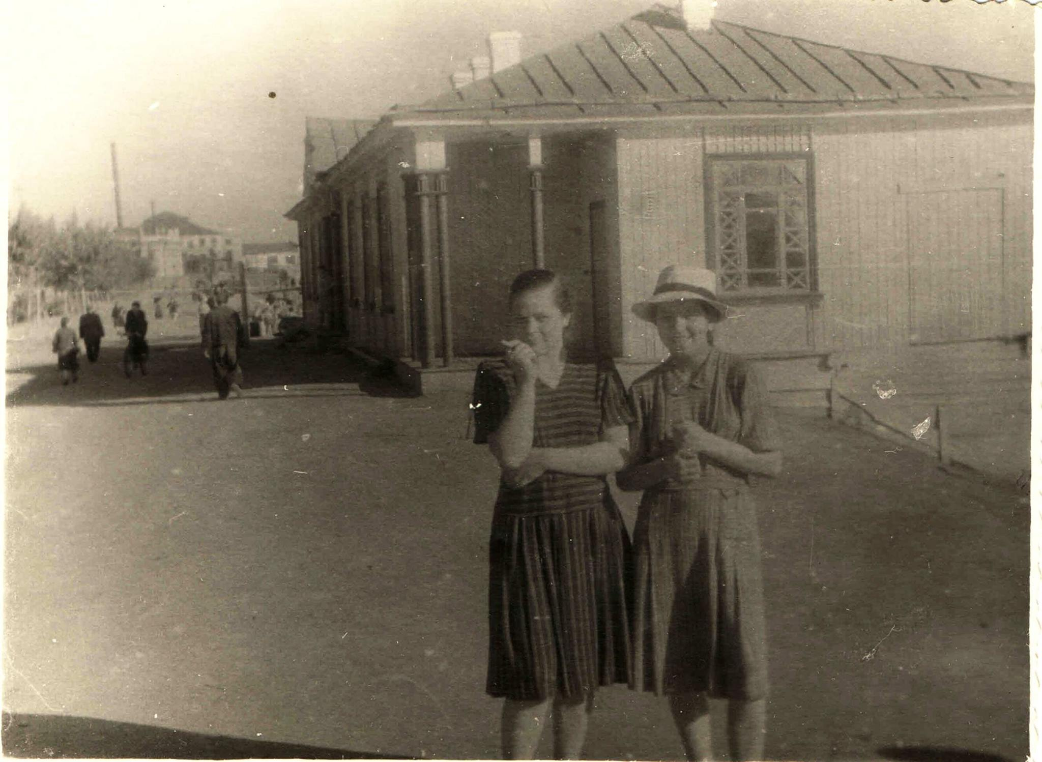 1954. Озеро Кабан, станция Спартак
