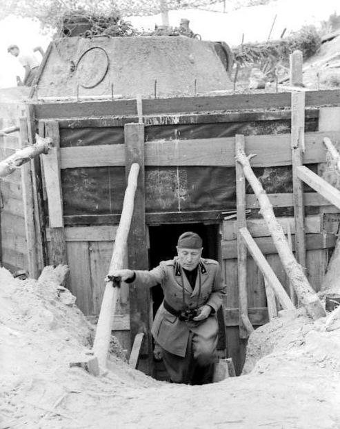 Italien, Benito Mussolini bei Inspektion