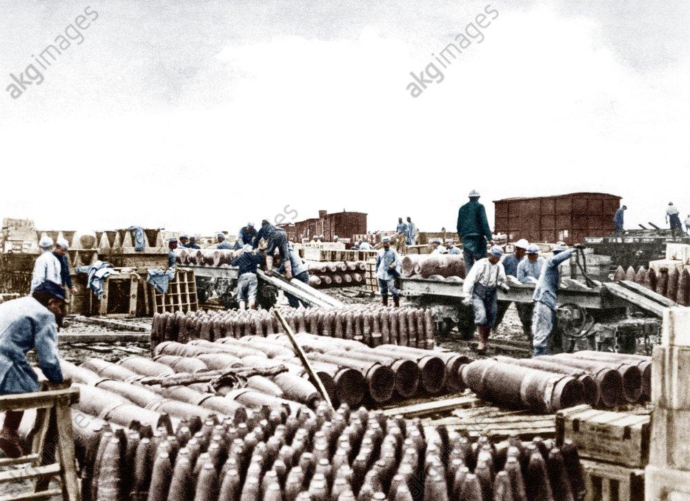 Sommeschlacht/alliiertes Munitionslager - Battle of the Somme/ Allied ammunition. -