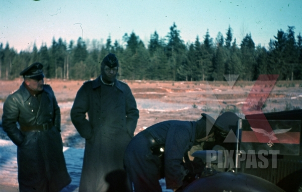 stock-photo-ww2-color-luftwaffe-field-division-2nd-lufllotte-winter-officers-car-notek-unit-flag-leather-jacket-cold-repair-minsk-1941-8515.jpg