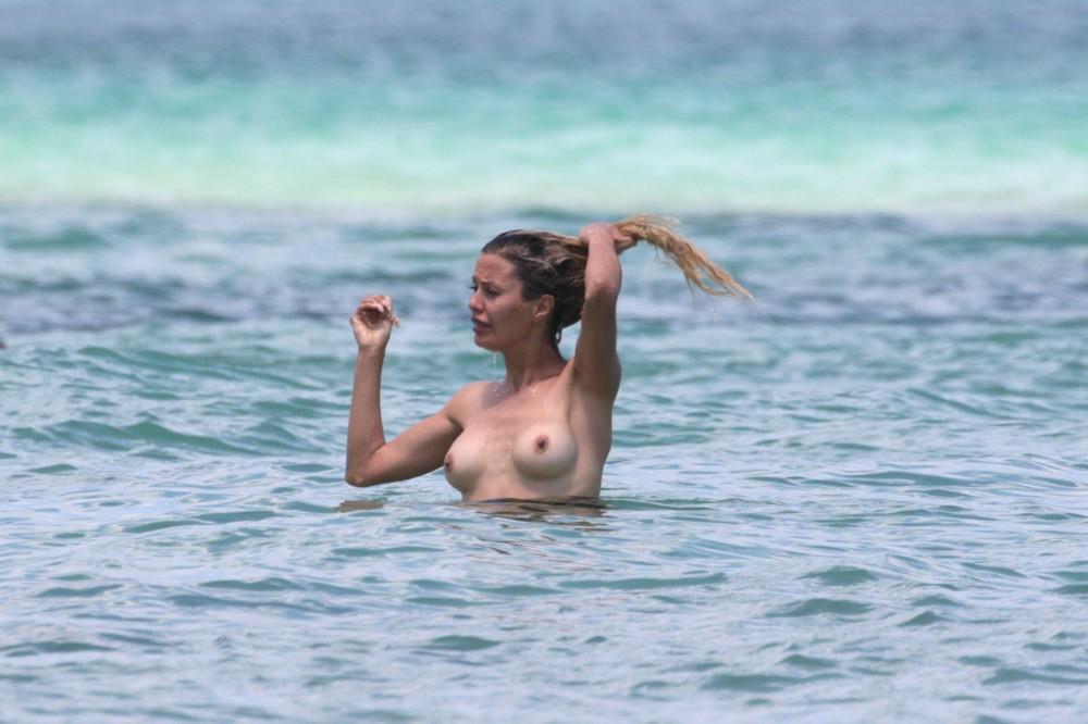 Боня голая фото майами