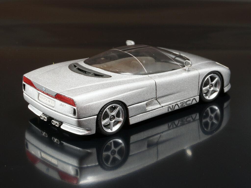BMW_NAZCA_04.jpg