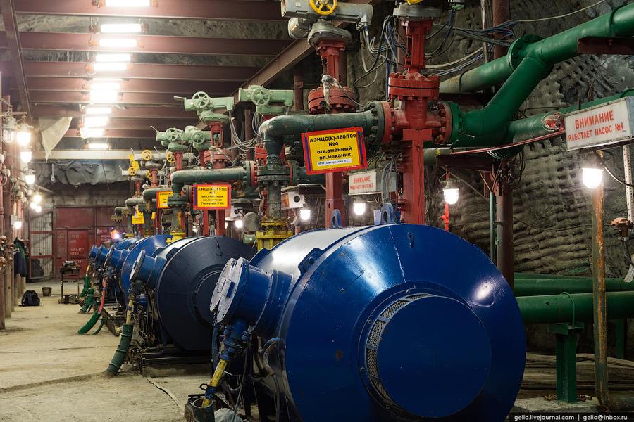 22. На руднике также организована система сбора воды: сначала грунтовые воды собираются в специальны