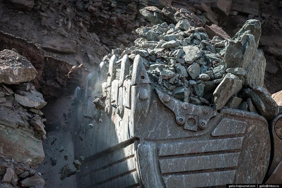 39. Объем добычи алмазов в 2013 году составил 6,5 млн. карат.
