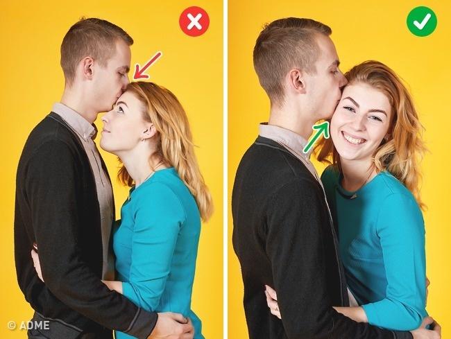 Избегайте поцелуев влоб, девушке придется уткнуться квам врубашку. Втакой позе можно поцеловать