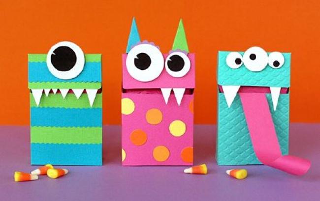 © static.anttz  Любую яркую коробку можно превратить в«монстра», приделав ейглаза, зубы, ам