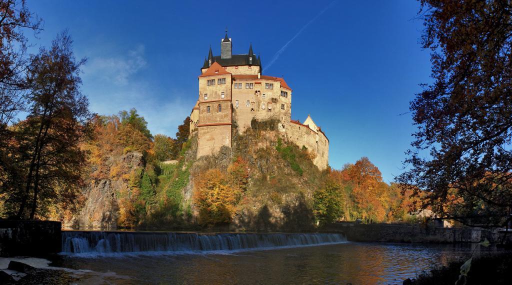 8 место. Замок Крибштайн. Расположен в земле Саксония. Время строительства — XIV век. (gravitat-