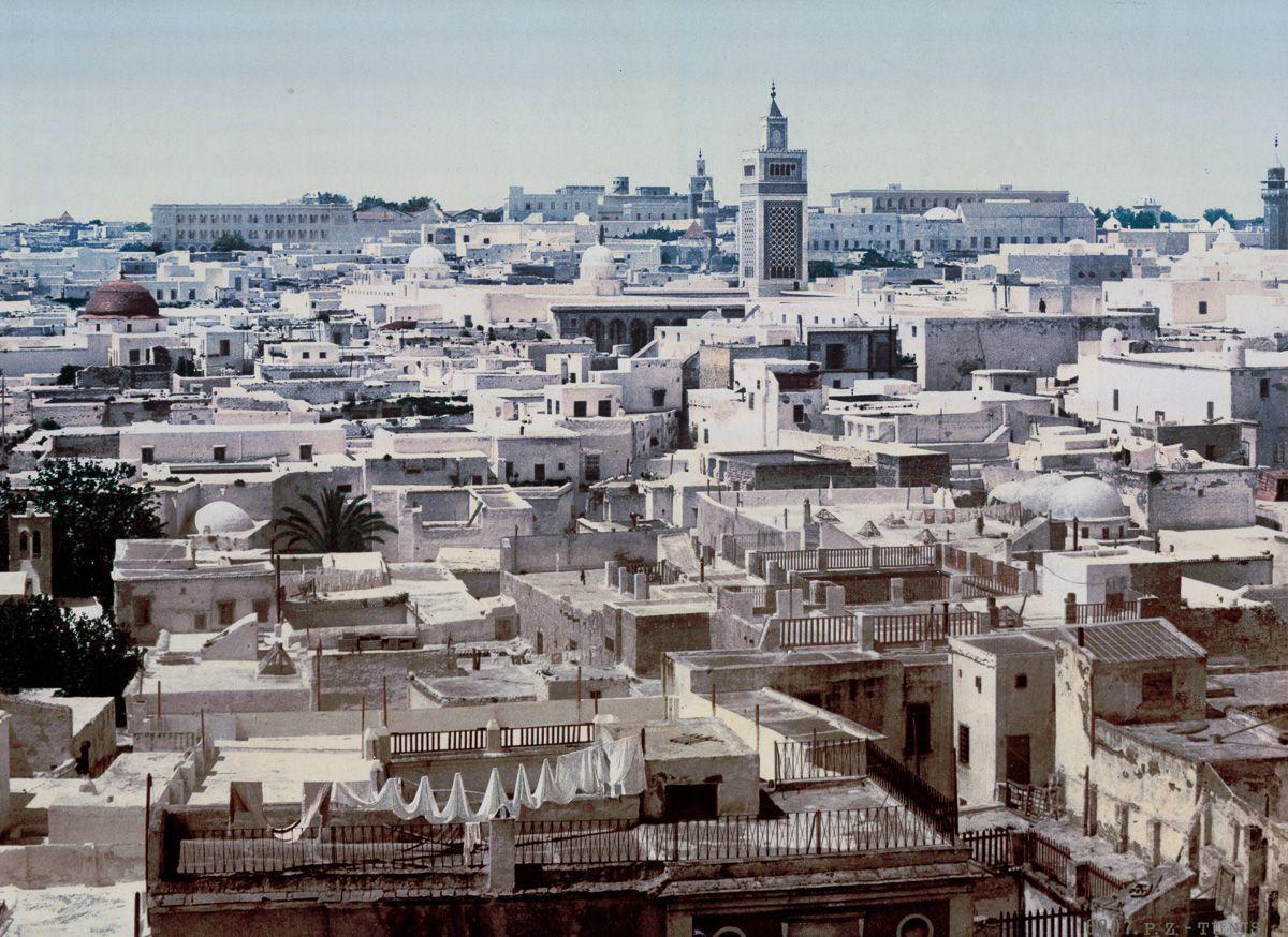 Вид на Тунис из отеля «Пари».