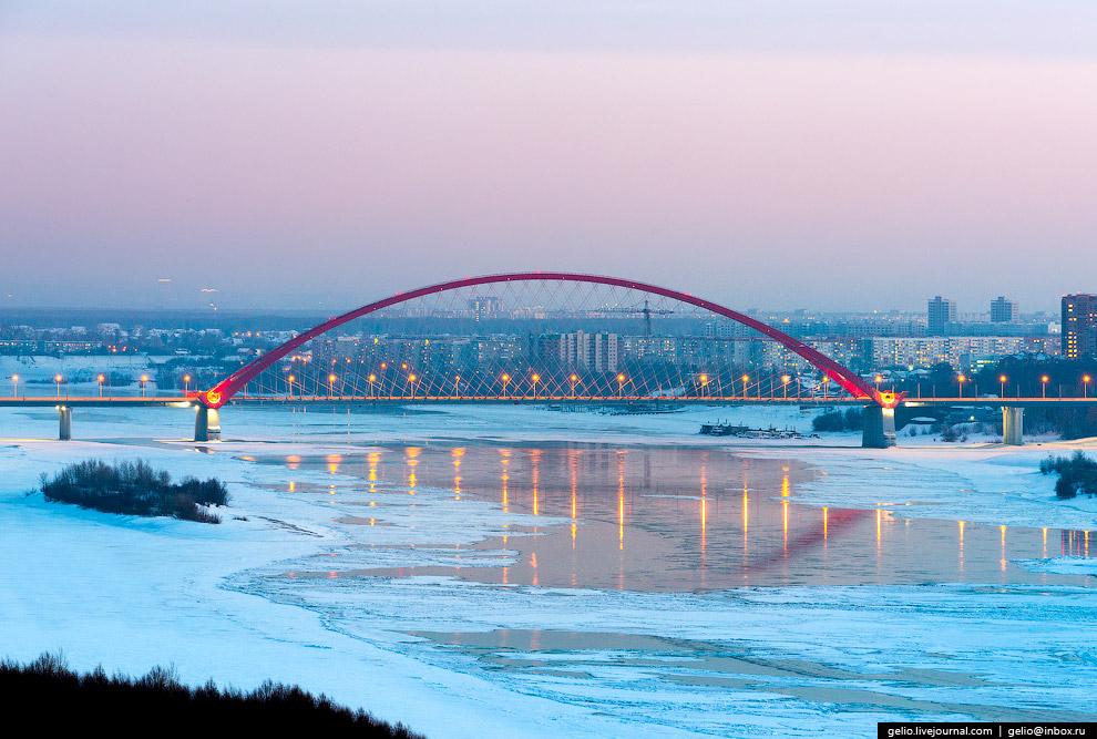28. Октябрьский («коммунальный») мост и метромост.