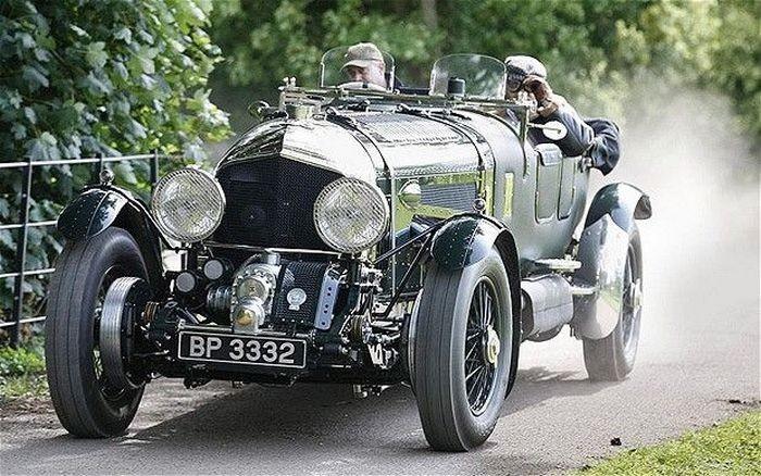 Классический Bentley был выставлен на продажу в 2012 году по внушительной цене в ? 500 000. Естестве