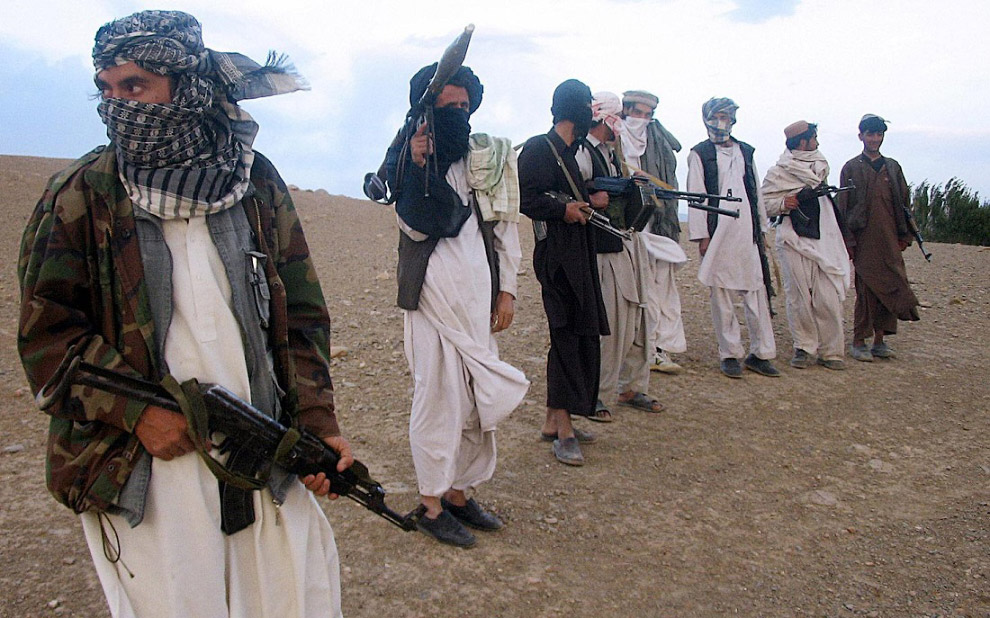 В Афганистане очень не безопасно для туристов. Это бедная страна с большим количеством религиоз