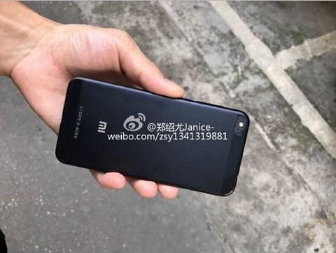 Смартфон Xiaomi Mi5C показался наживых фото