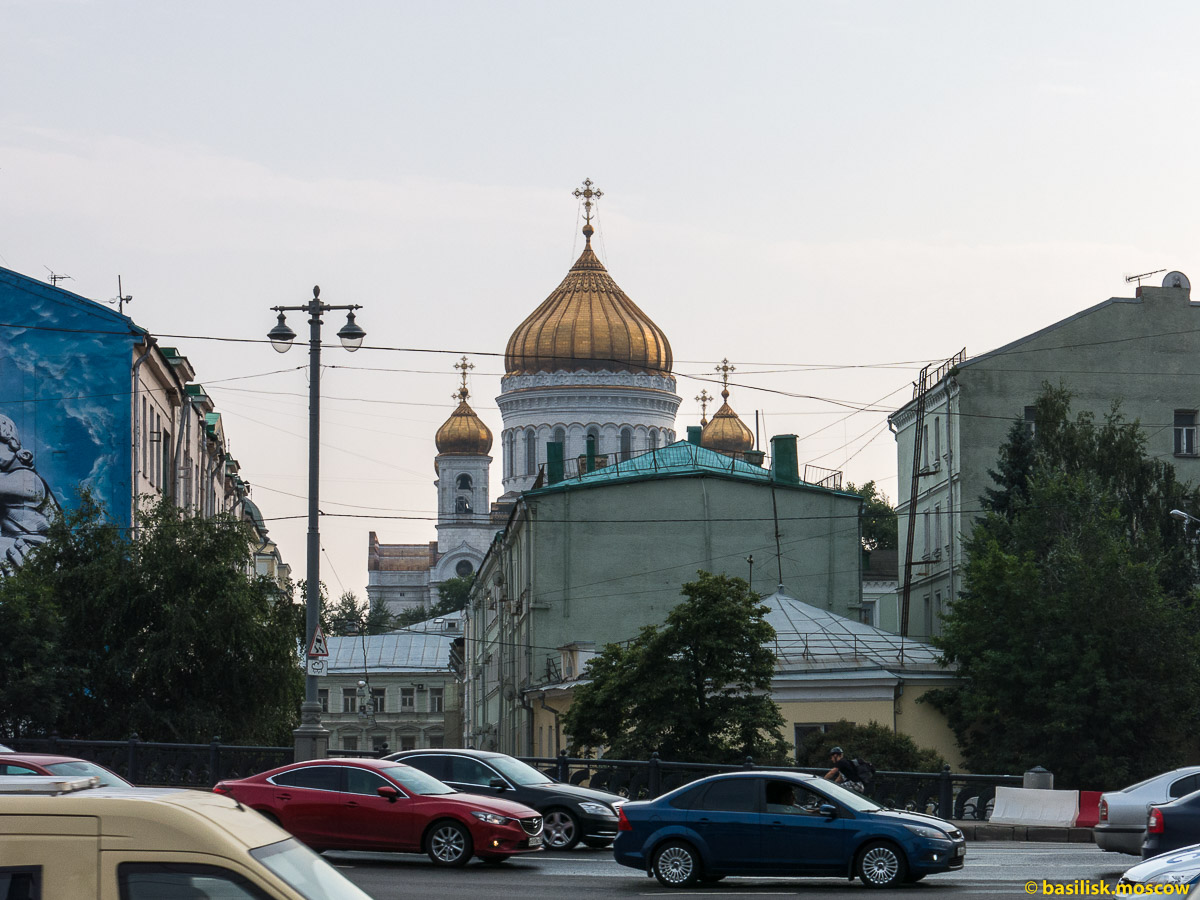 Боровицкая площадь. Большой Каменный мост. Река Москва. Июль 2016
