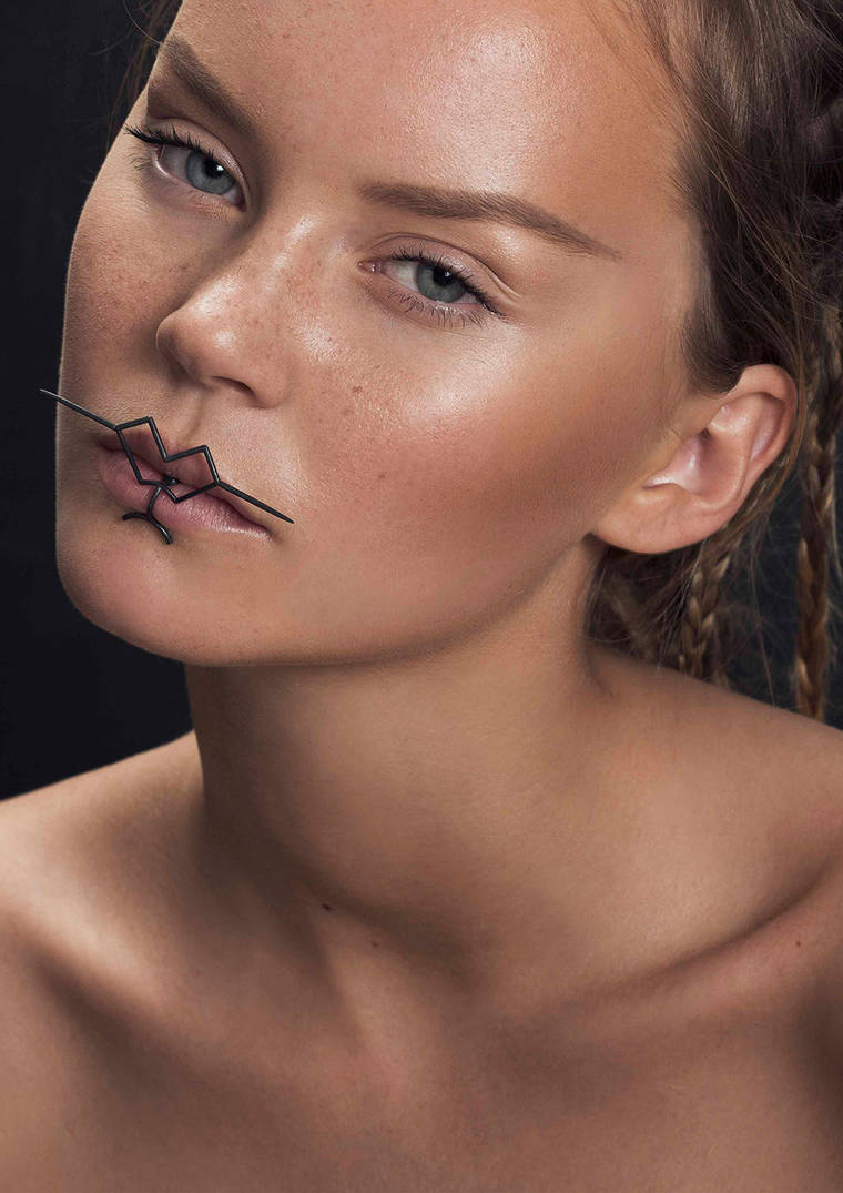 The Shape of Ink - Experimental jewelery inspired by the art of tattoo