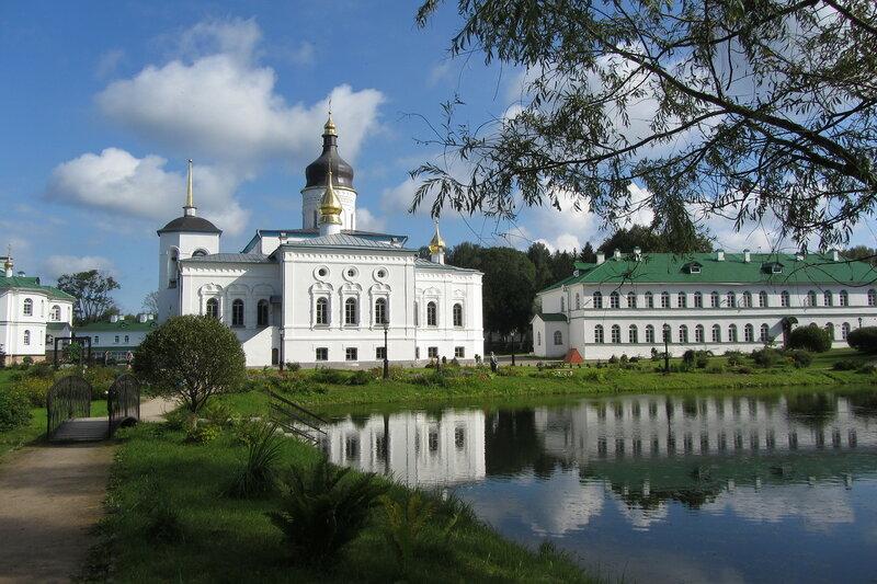 Спасо-Елеазаровский женский монастырь