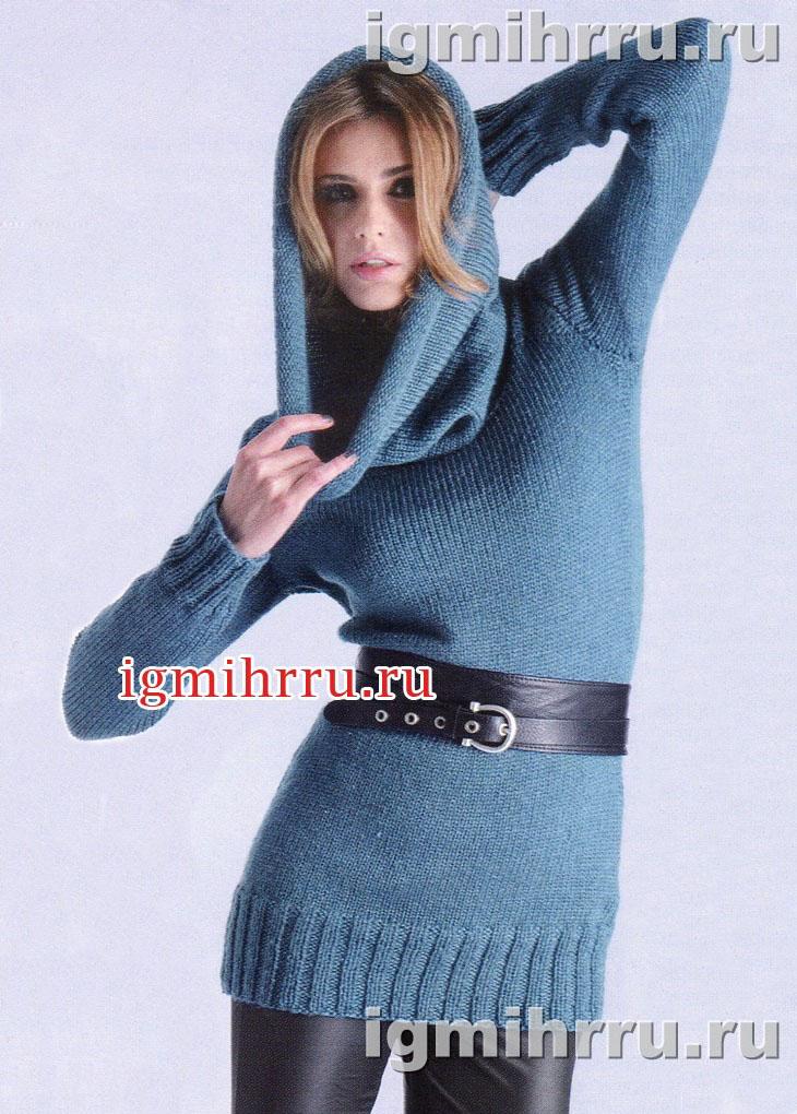 Голубой теплый пуловер с воротником-капюшоном. Вязание спицами