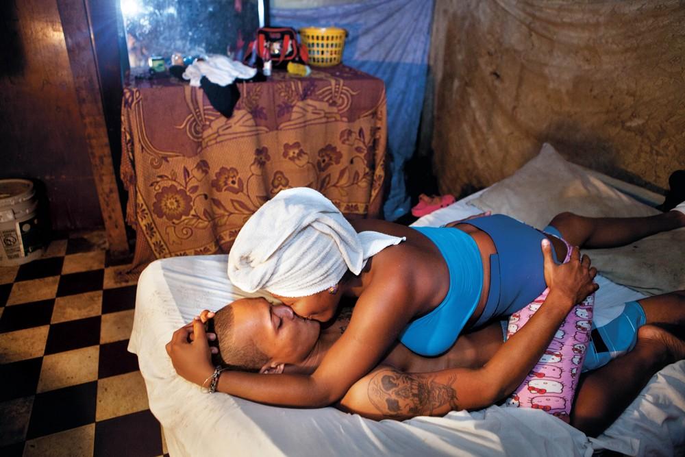 Фотопроект о сексуальных отношениях молодежи Зазы Бертран