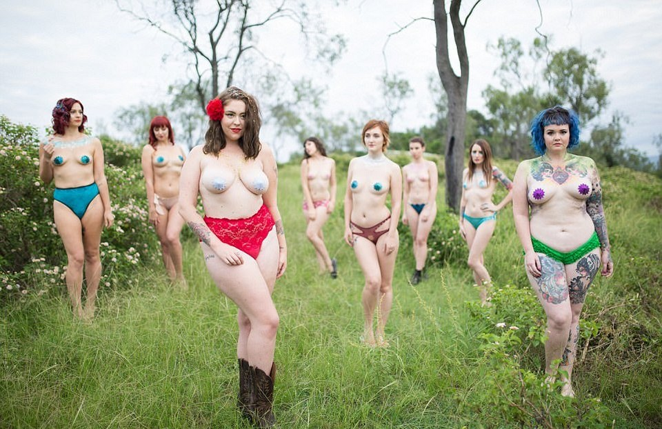 Обнаженные тела всех форм и размеров в проекте «Блестящая красота»