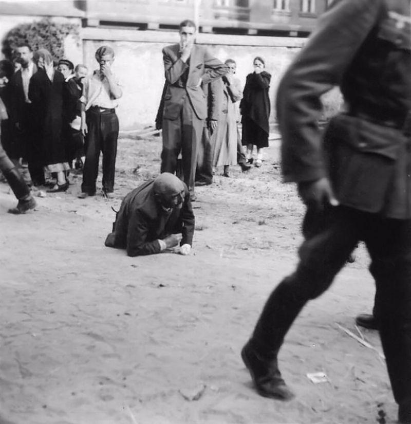 Шокирующие фотографии львовских еврейских погромов 1941 года