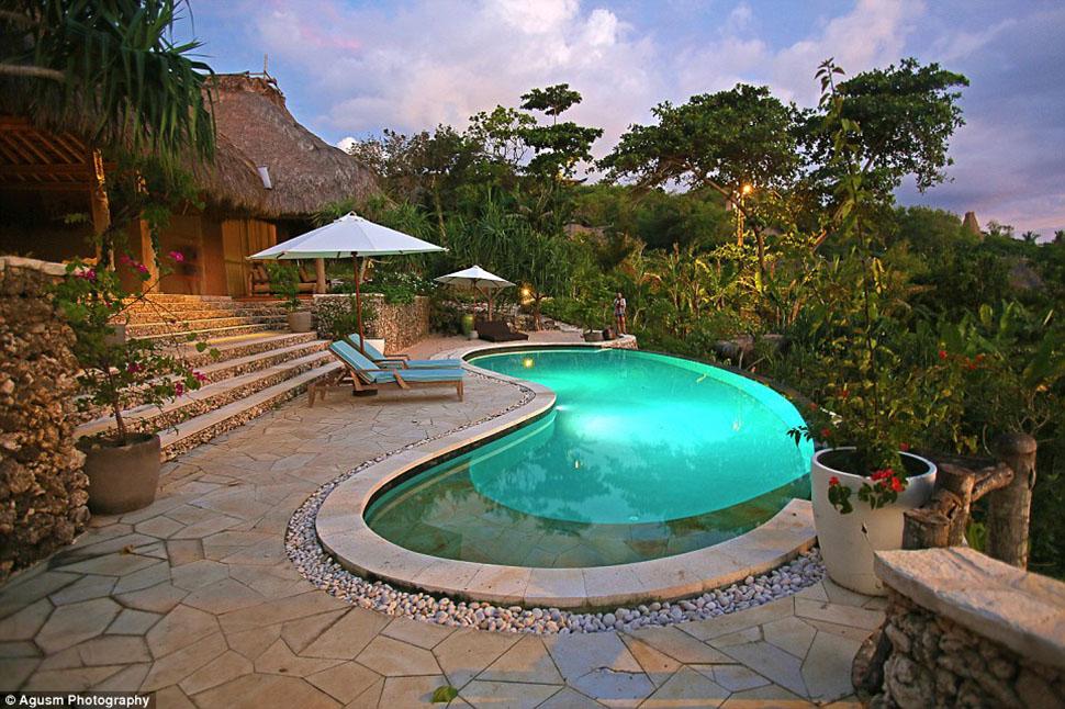 Один из «бесконечных» бассейнов.