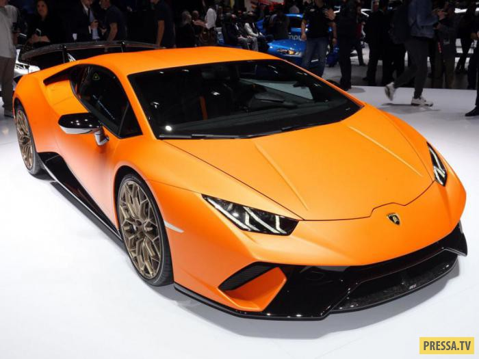 Любители скорости, наконец, дождались презентации новой модели от Lamborghini на Женевском автосалон