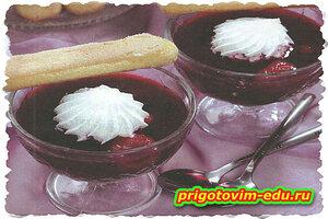 Густой ягодный суп на красном вине