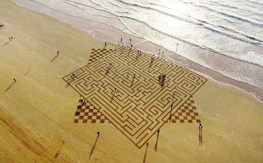 Amazing Geometric Sand Drawings