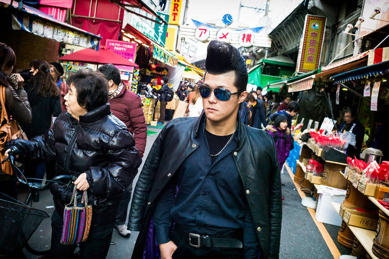 Tokyo Street Photography - Life in Japan seen by Lee Chapman