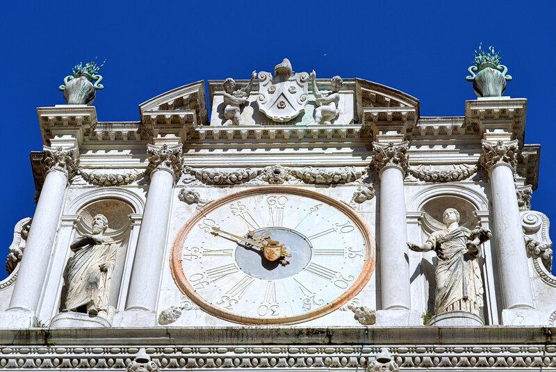 часы на дворце Дожей