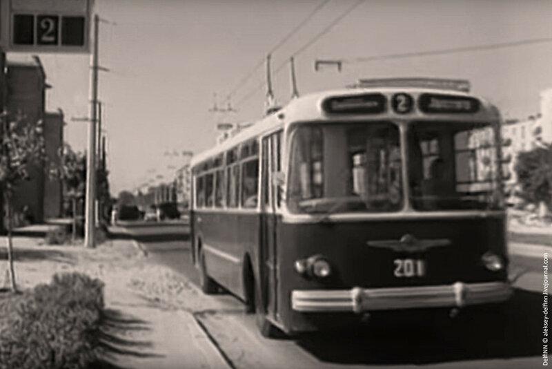 Первый-троллейбус1.jpg