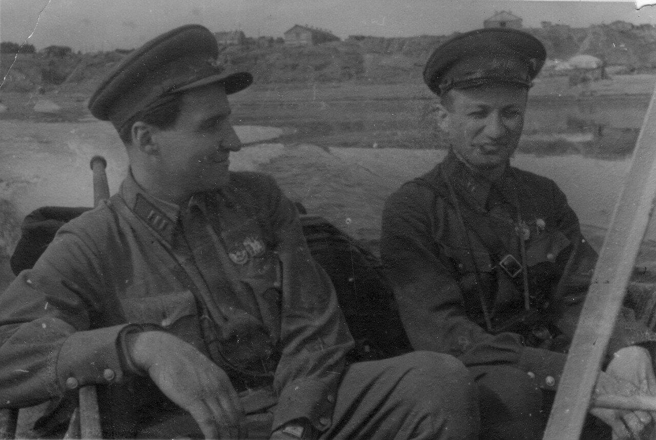 в лодке мимо Сталинграда