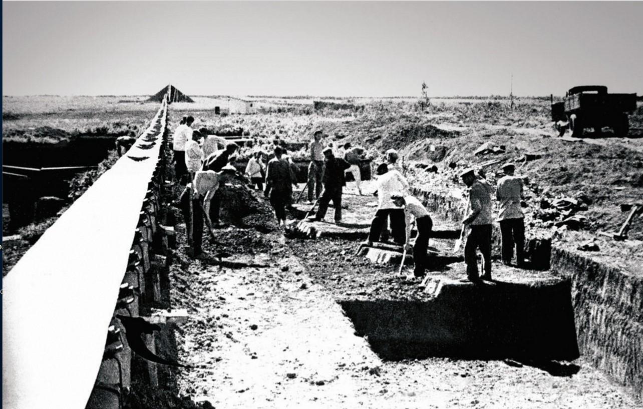 Челябинск. Земляные работы на строительстве ЧМЗ. Транспортер
