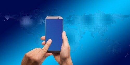 Смартфоны латвийских чиновников передавали данные в Китай