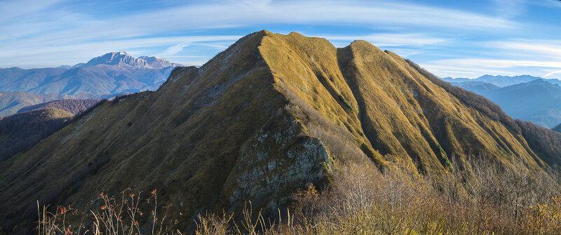 """72. Гора Амуко с """"малой"""" вершины."""