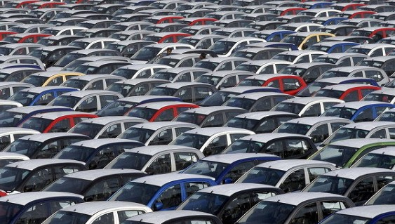 ВРоссии выпуск легковых машин вянваре-октябре упал на11%
