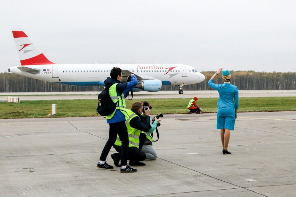Домодедово – первый аэропорт, открывший двери для любителей авиационной фотографии. Именно зд