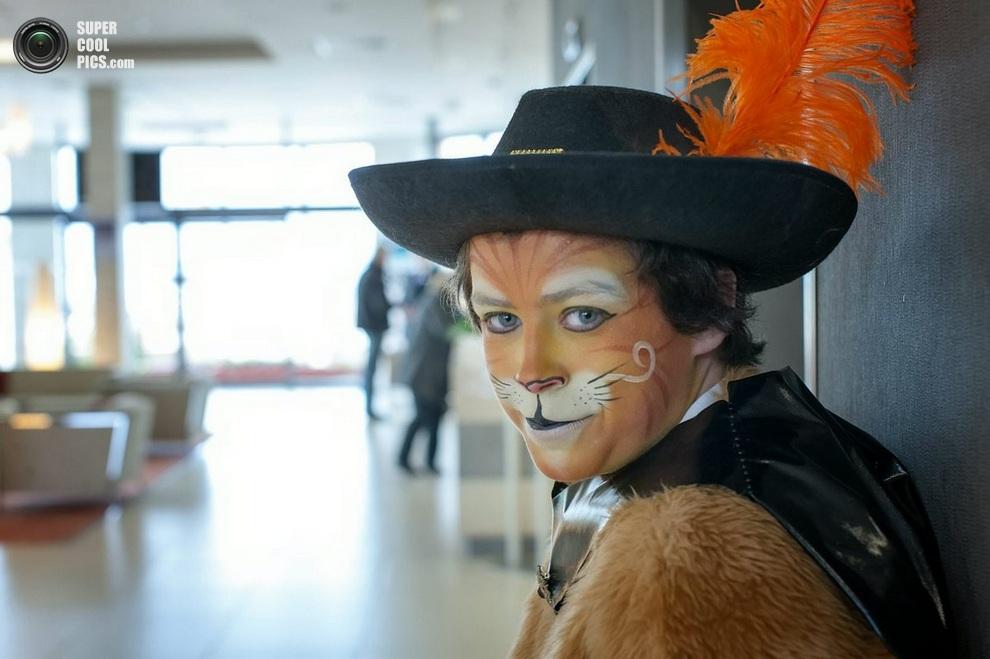 Кот в сапогах — без него церемония была бы неполноценной!(SWNS)