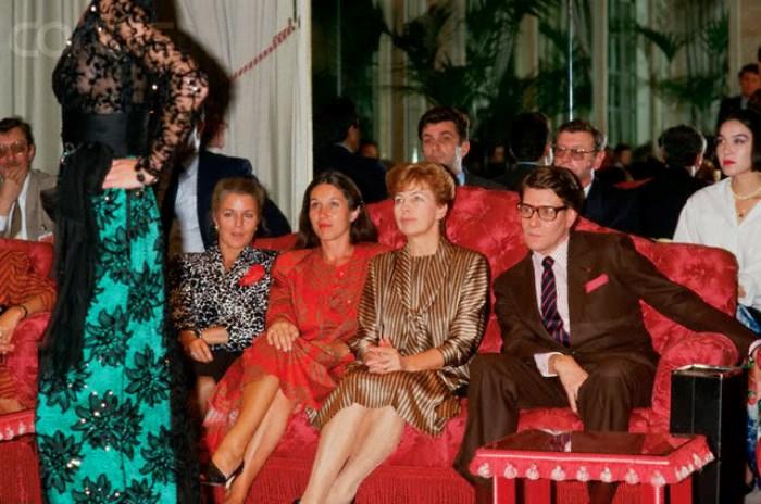 Раиса Горбачева на закрытом показе YSL (Ив Сен Лоран), 1986 5. В моде Горбачева разбиралась х