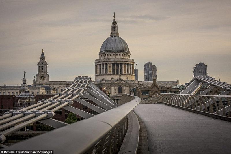 Не хватает только зомби: как выглядит Лондон в предрассветные часы (21 фото)