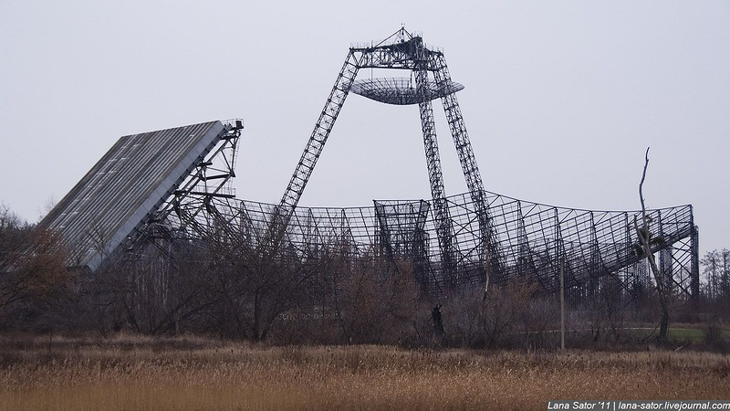 Эта заброшенная станция изучения ионосферы находится на Украине. (68 фото)